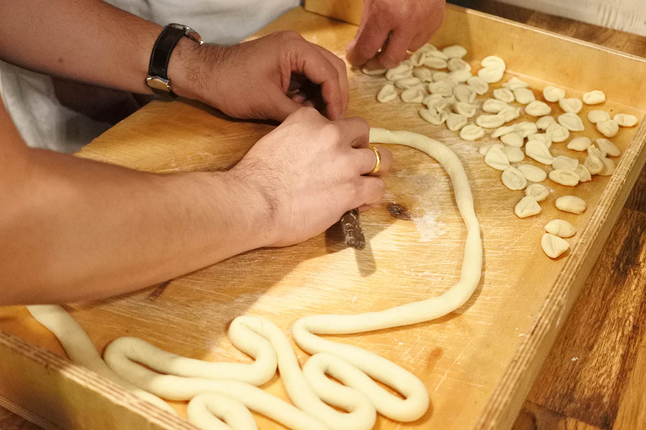 cooking class of orecchiette hands on