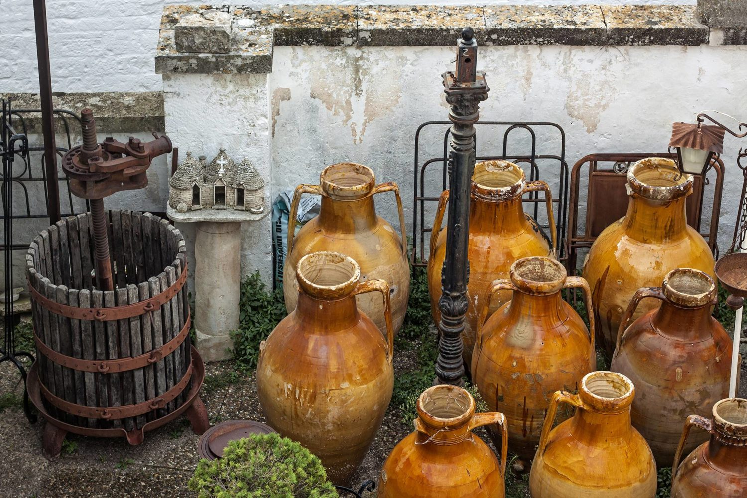 Apulian traditional wine production