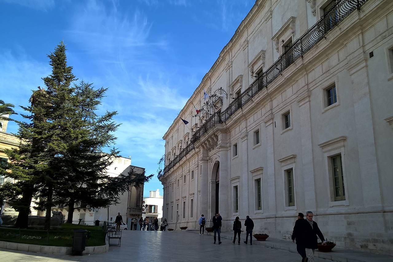 Mostra Picasso e l'altra metà del cielo ospitata dal Palazzo Ducale di Martina Franca