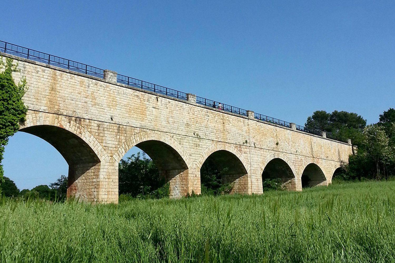 Cicloturismo in Puglia sulla ciclovia dell'Aquedotto Pugliese