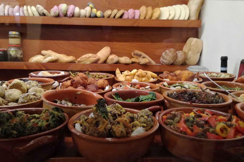 Pane fresco ingredienti di stagione Puglia