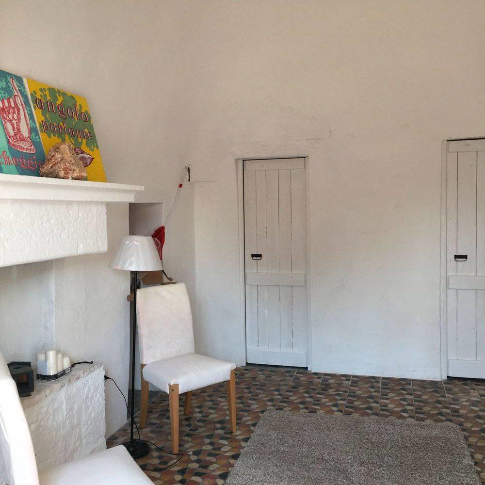 Trullo bianco soggiorno Masseria Croce Piccola Martina Franca Puglia
