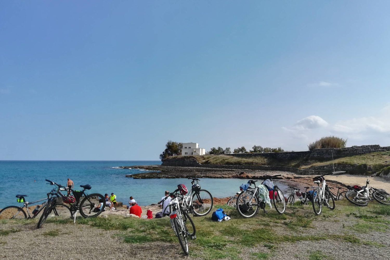 Tour archeologico in bici in Puglia