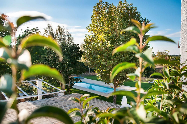 Struttura con piscina in Puglia