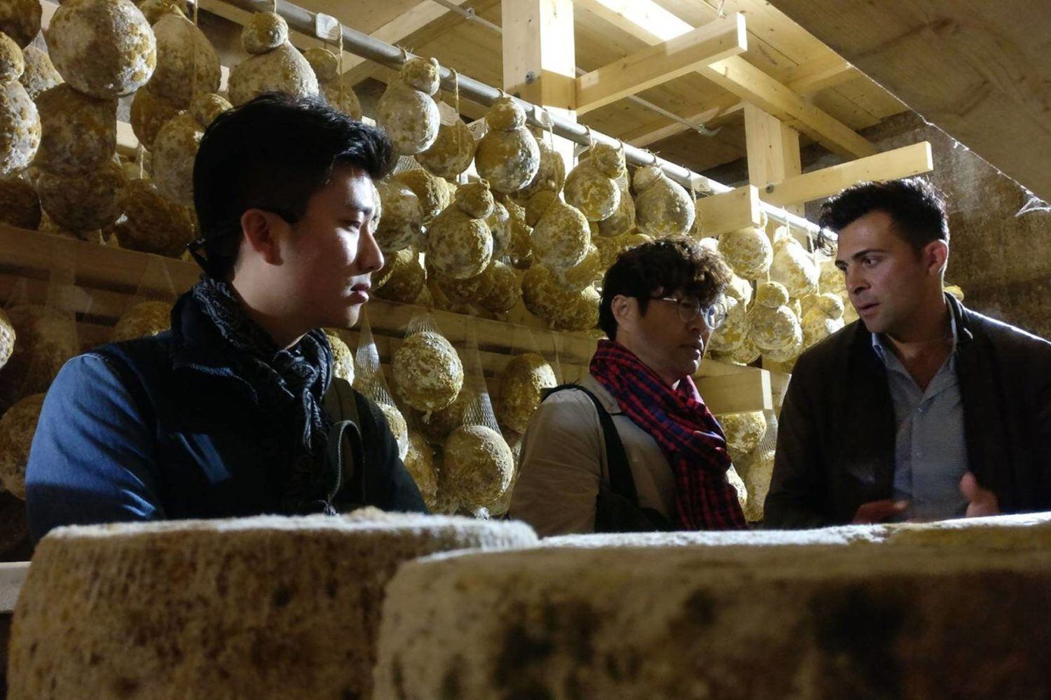 Aging cheese into the cave in Puglia