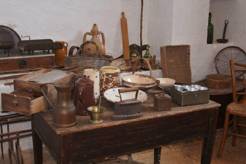 Masseria Brancati Ostuni antichi oggetti contadini